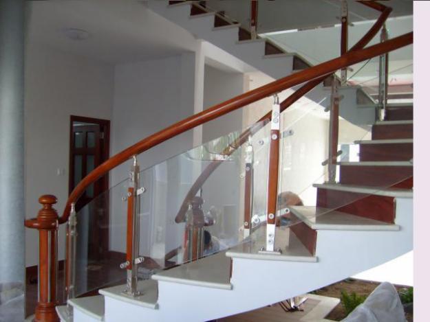 Cầu thang kính CL1